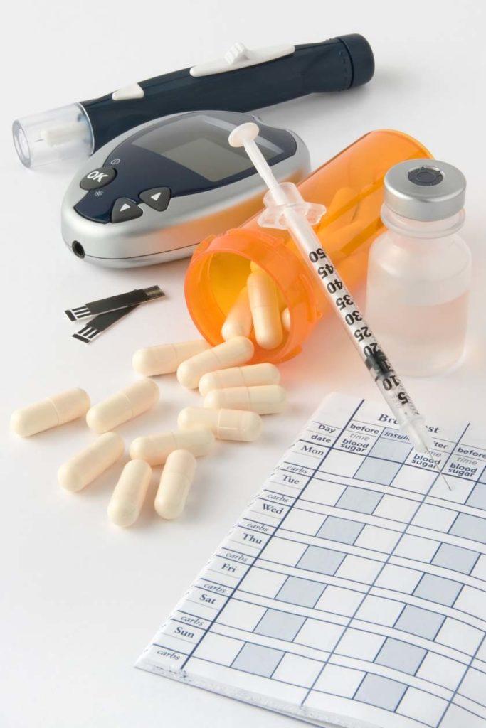 Diabetes-Medikamente und Blutzuckermessgerät