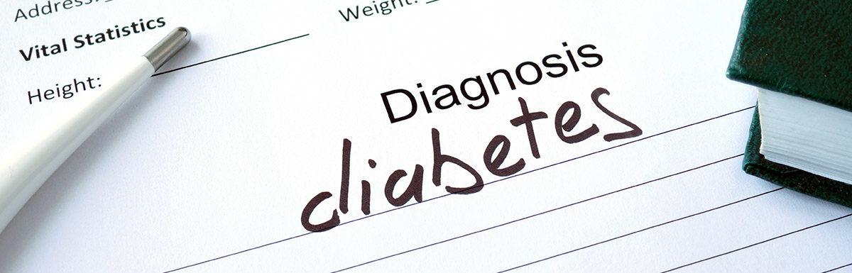Diagnose Diabetes auf einem Notizblock geschrieben
