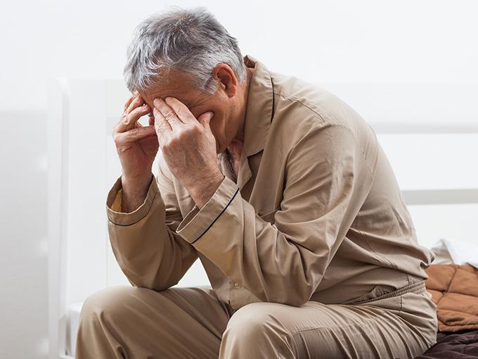 Mann mit Überzuckerung ist müde