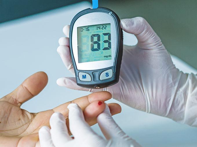 Ein Blutstropfen genügt, um einen zu niedrigen HbA1c-Wert zu diagnostizieren.